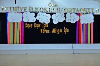 Özel Fethiye Eğitim Kurumları minikleri, ilk karne heyecanını 17 Ocakta aldıkları karneleri ile yaşadılar.