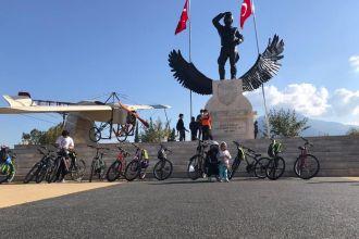 Şehit Fethibey Parkından Çalış Plajı'na kadar bisiklet sürdük